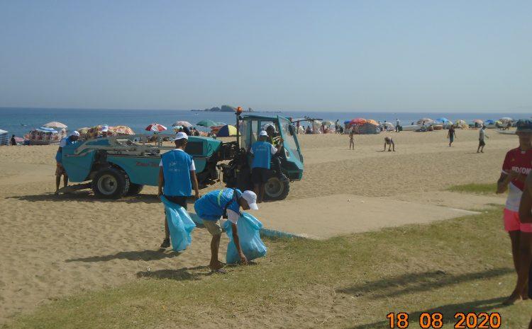 جمع أزيد من 8 أطنان من نفايات الشواطئ بـالعاصمة منذ إعادة فتحها