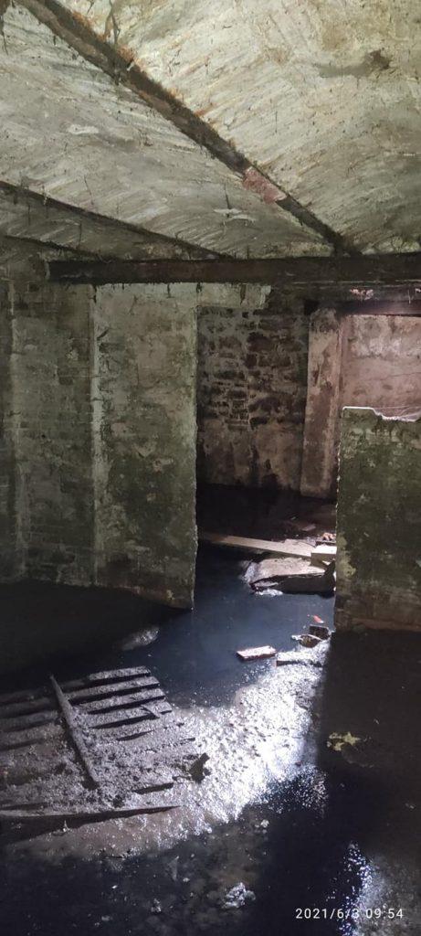 معالجة قبو مملوء بالمياه القذرة من طرف وحدة مكافحة نواقل الأمراض