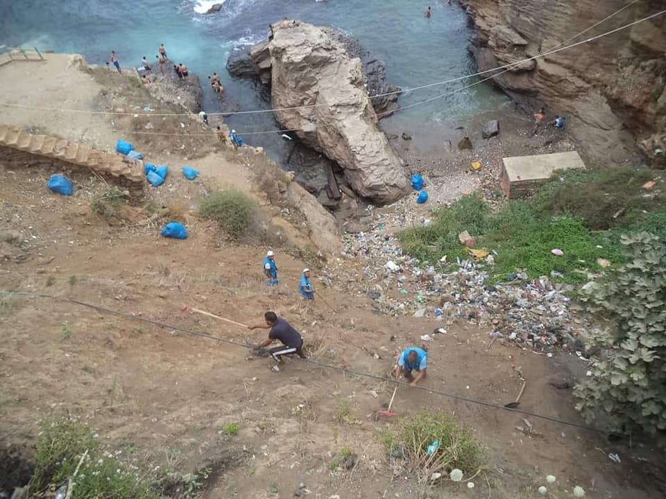 أعوان النظافة لشاطئ رايس حميدو