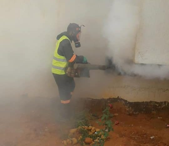 عمليات التعقيم و رش اقبية العمارات للقضاء على الحشرات على مستوى إقليم المقاطعة الادارية لسيدي عبد الله